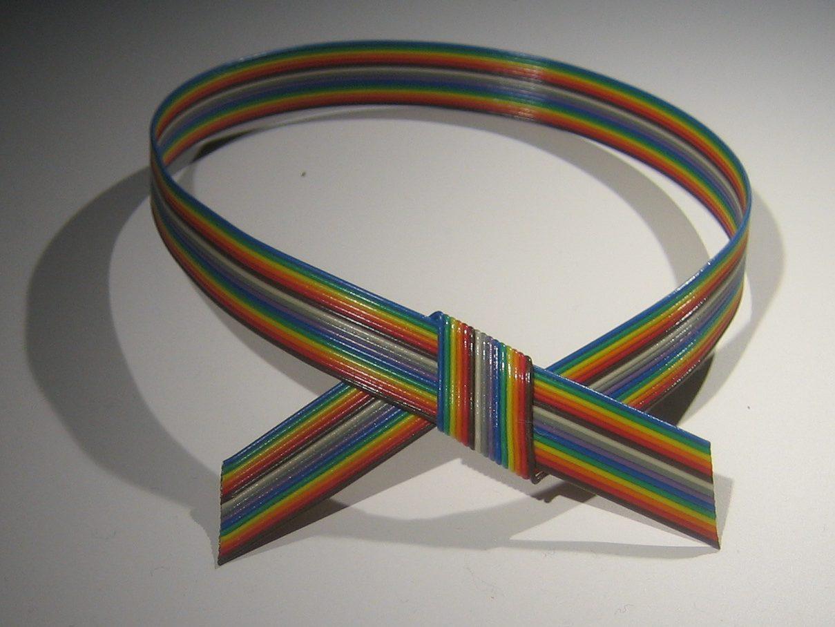 Marga Staartjes, halssieraad, 1979. Sieradenpresentatie lockers, Collectie Centraal Museum, 21646
