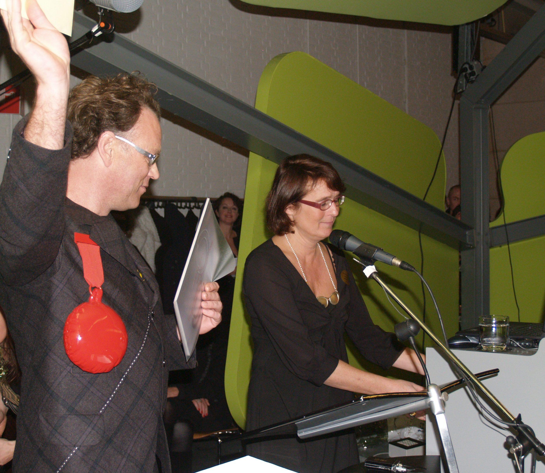 Ted Noten ontvangt de Françoise van den Bosch Prijs, Liesbeth den Besten spreekt