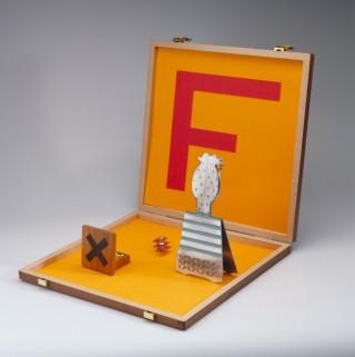 Trofee door Marcel Wanders, hout, metaal