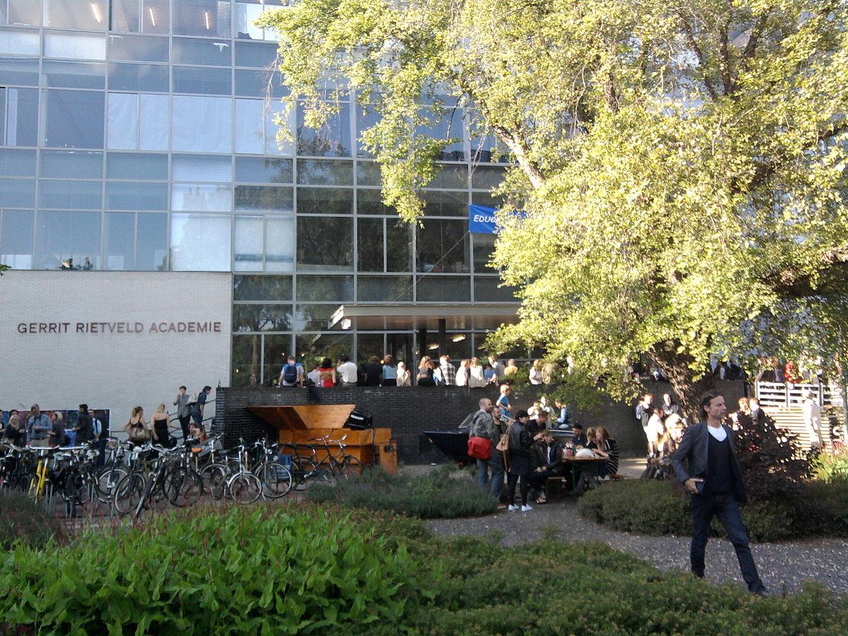 Gerrit Rietveld Academie Amsterdam. Foto Paul Berendsen, exterieur