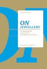 Omslag On jewellery door Liesbeth den Besten, 2011