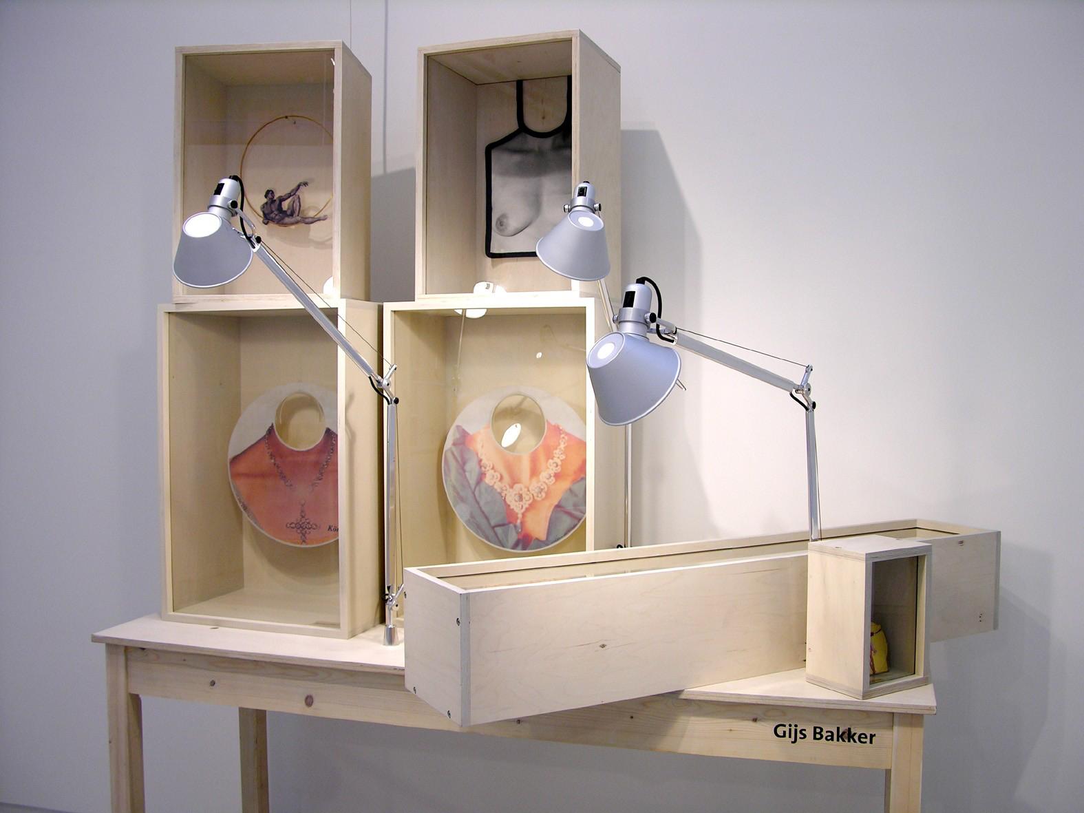 Gijs Bakker, Sterke Verhalen, hedendaagse verhalende sieraden uit Nederland, Stedelijk Museum 's-Hertogenbosch, 2006, tentoonstelling