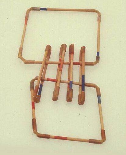 Lam de Wolf, armband, 1980. Collectie Design Museum Den Bosch, hout, verf