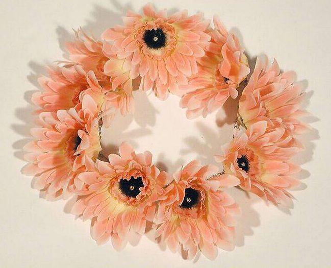 Philip Sajet, Flower necklace, 1993. Foto met dank aan SMS©