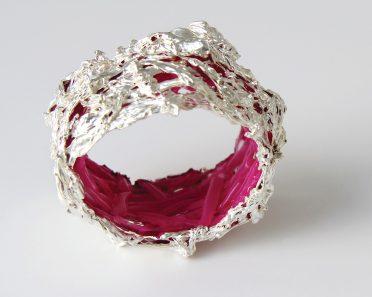 Gijs Bakker, Plastic Soup, armband, 2013. Sylvain Georget/Carole Hernandez©