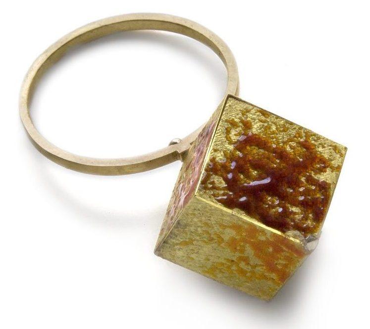 Graziano Visintin, ring, 2010. Foto met dank aan Galerie Marzee©