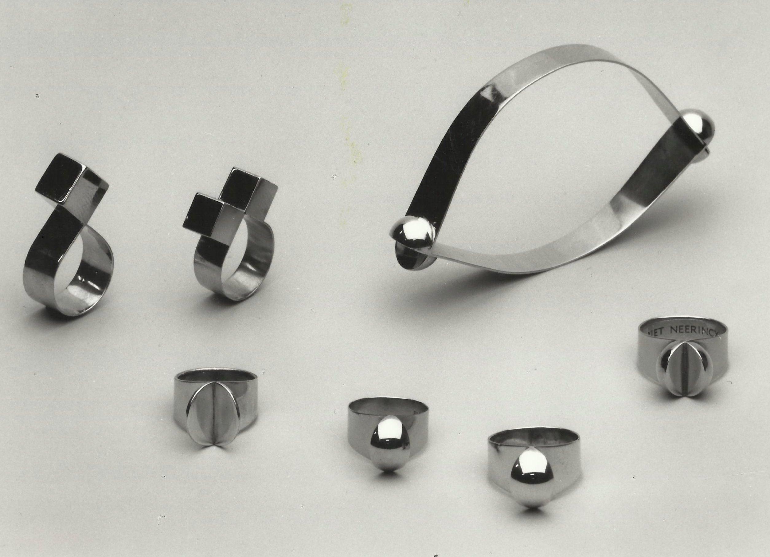 Riet Neerincx, ringen en armband, 1967-1968, metaal