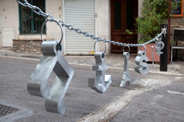 Liesbet Bussche, Urban jewellery, Suzy's charms, 2012, metaal