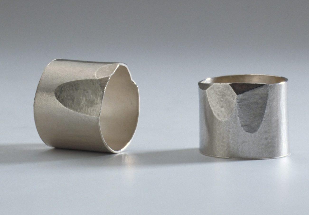 Onno Boekhoudt, ringen, 1990. Collectie Stichting Françoise van den Bosch, zilver