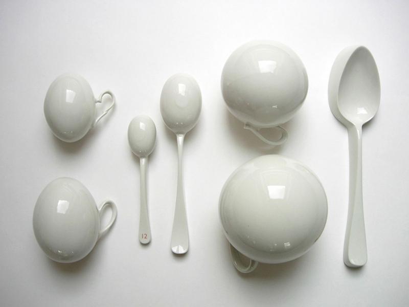 Manon van Kouswijk, Room Service objects, 2004. Foto met dank aan Gallery Funaki©