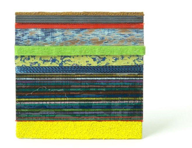 Beppe Kessler, Breath, broche, 2017, metaal, textiel, verf