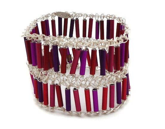 Arline Fisch, Pinkand Purple, armband, metaal