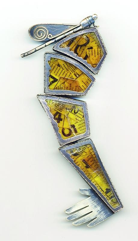 Kiff Slemmons, Dragonfly, broche. Courtesy Mobilia Gallery©