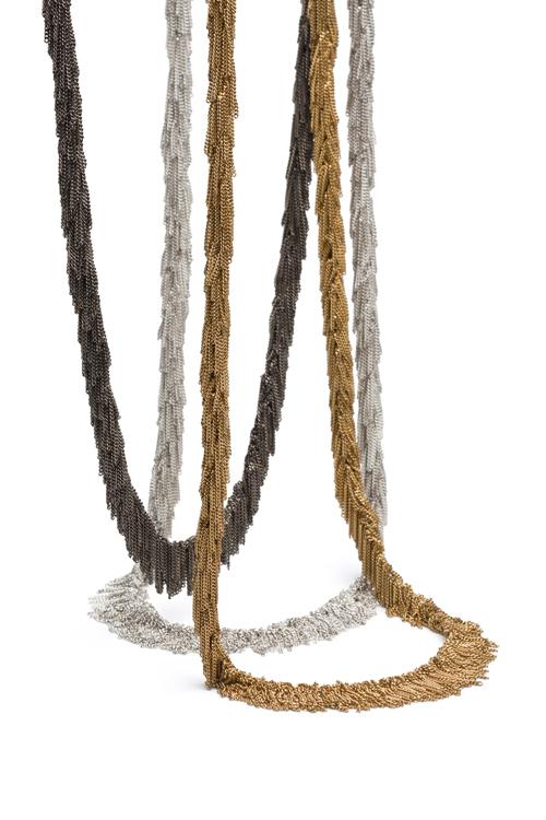 Claudia Milić, halssieraden. Foto met dank aan Galerie TACTILe©