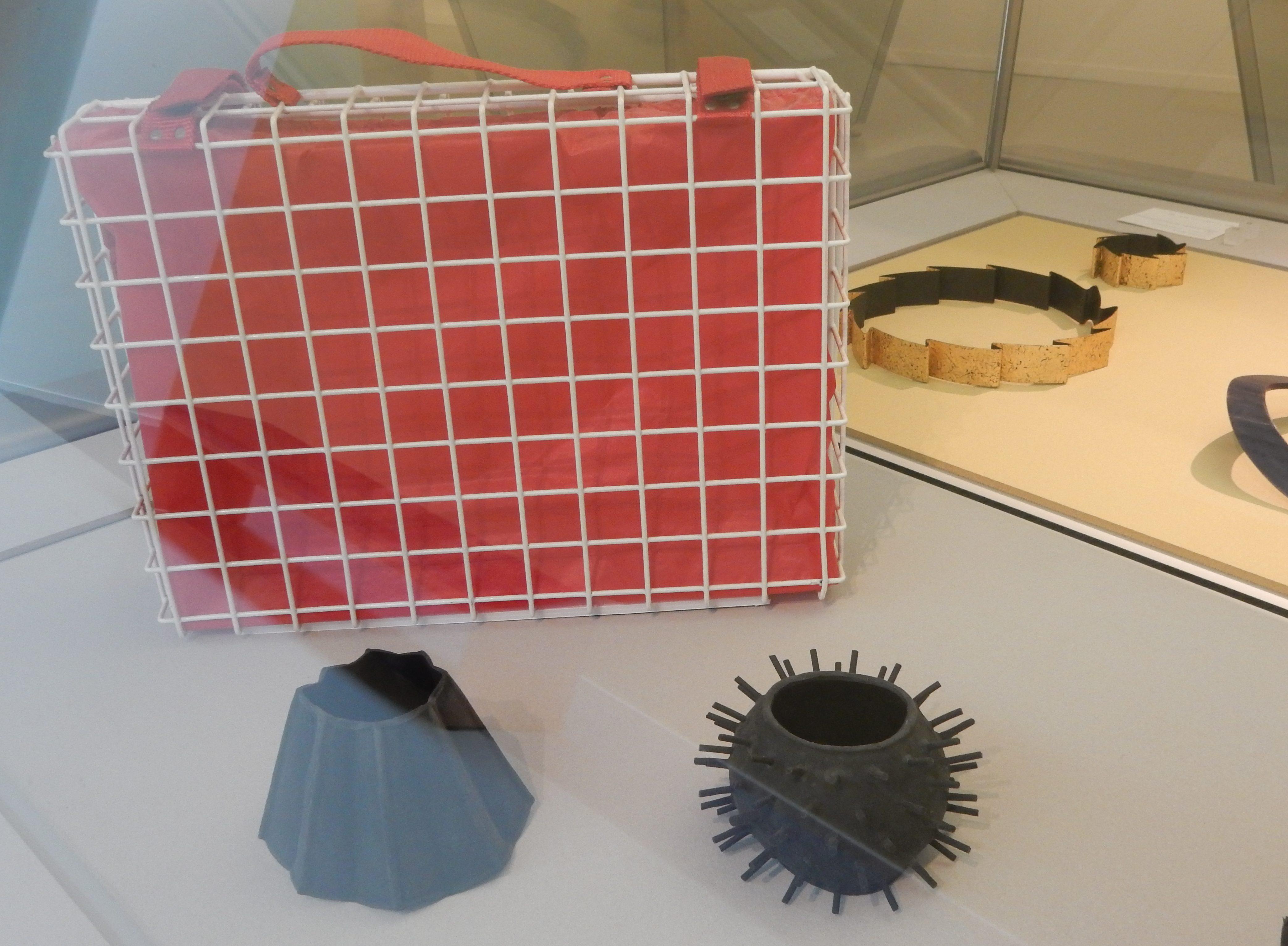 Maria Hees. De verzameling van Jurriaan van den Berg in CODA, 2018, tentoonstelling, metaal, kunststof, rubber