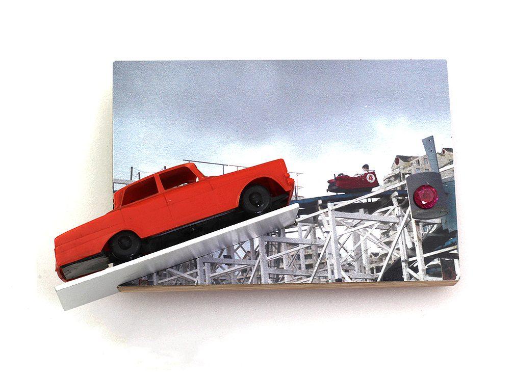 Herman Hermsen, Rollercoaster, broche, hout, metaal, steen
