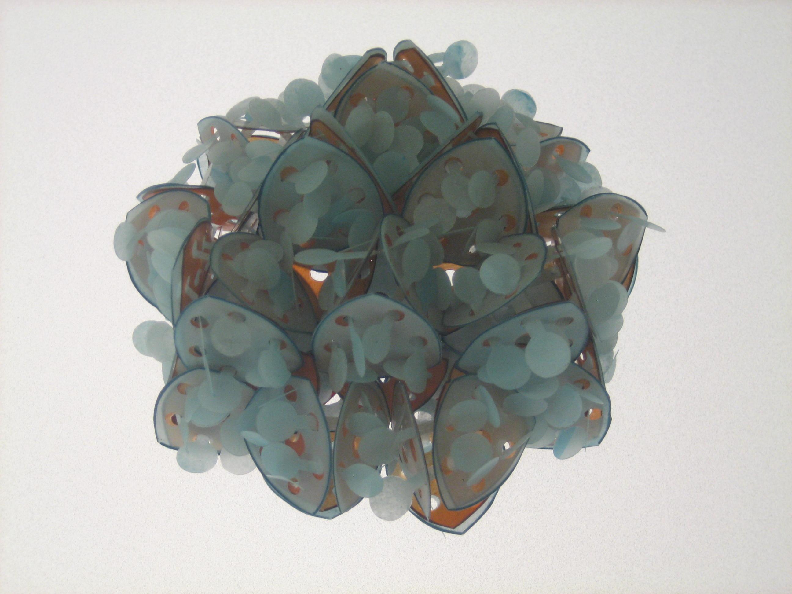 Svenja John, Breath, broche, 2001. Collectie Grassimuseum, kunststof