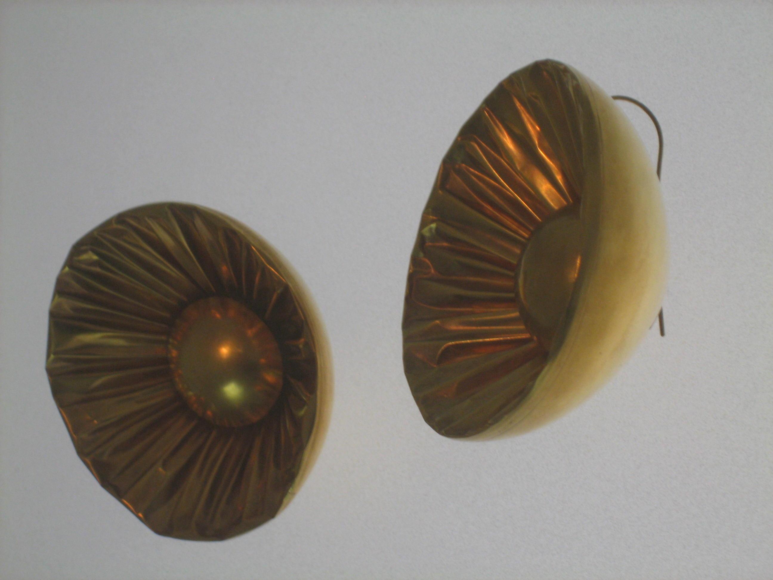 Dorothea Prühl, Blumen, oorsieraden, 1991. Collectie Grassimuseum, metaal
