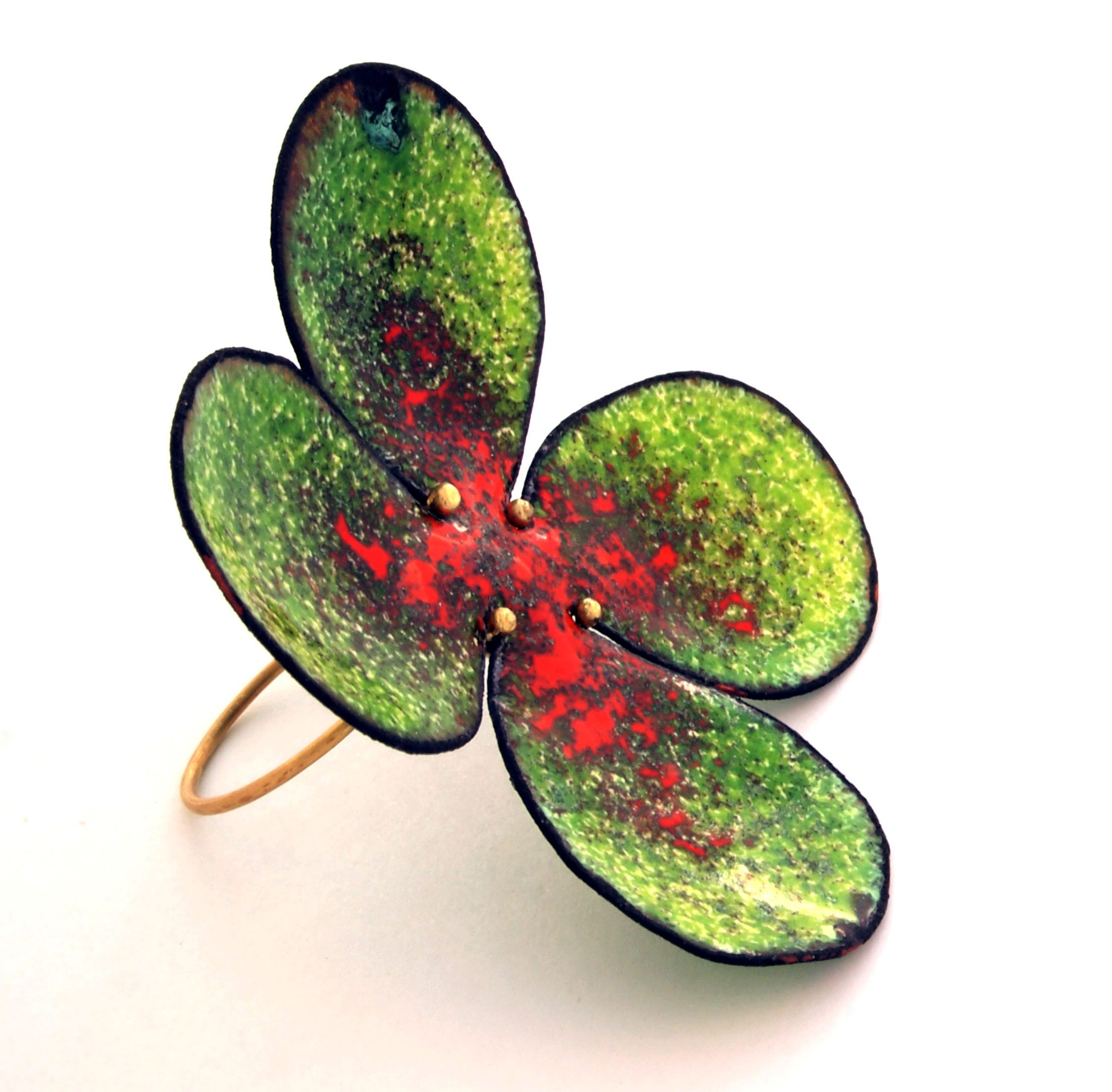 Francesca di Ciaula, Red Spot on Green, ring, 2013. Foto met dank aan Francesca di Ciaula©