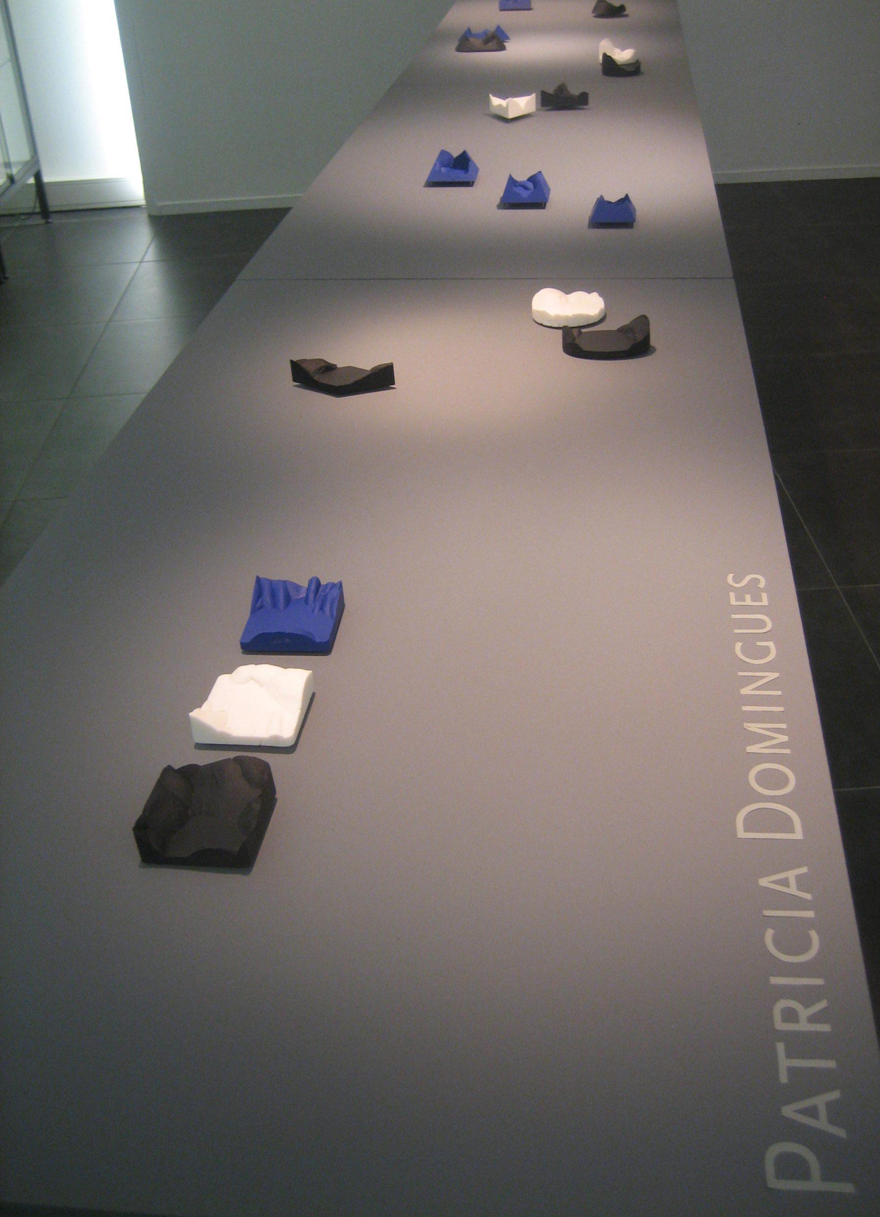 Patrícia Domingues, Galerie Ra, juni 2018, tentoonstelling, broches, gereconstruurd steen, metaal