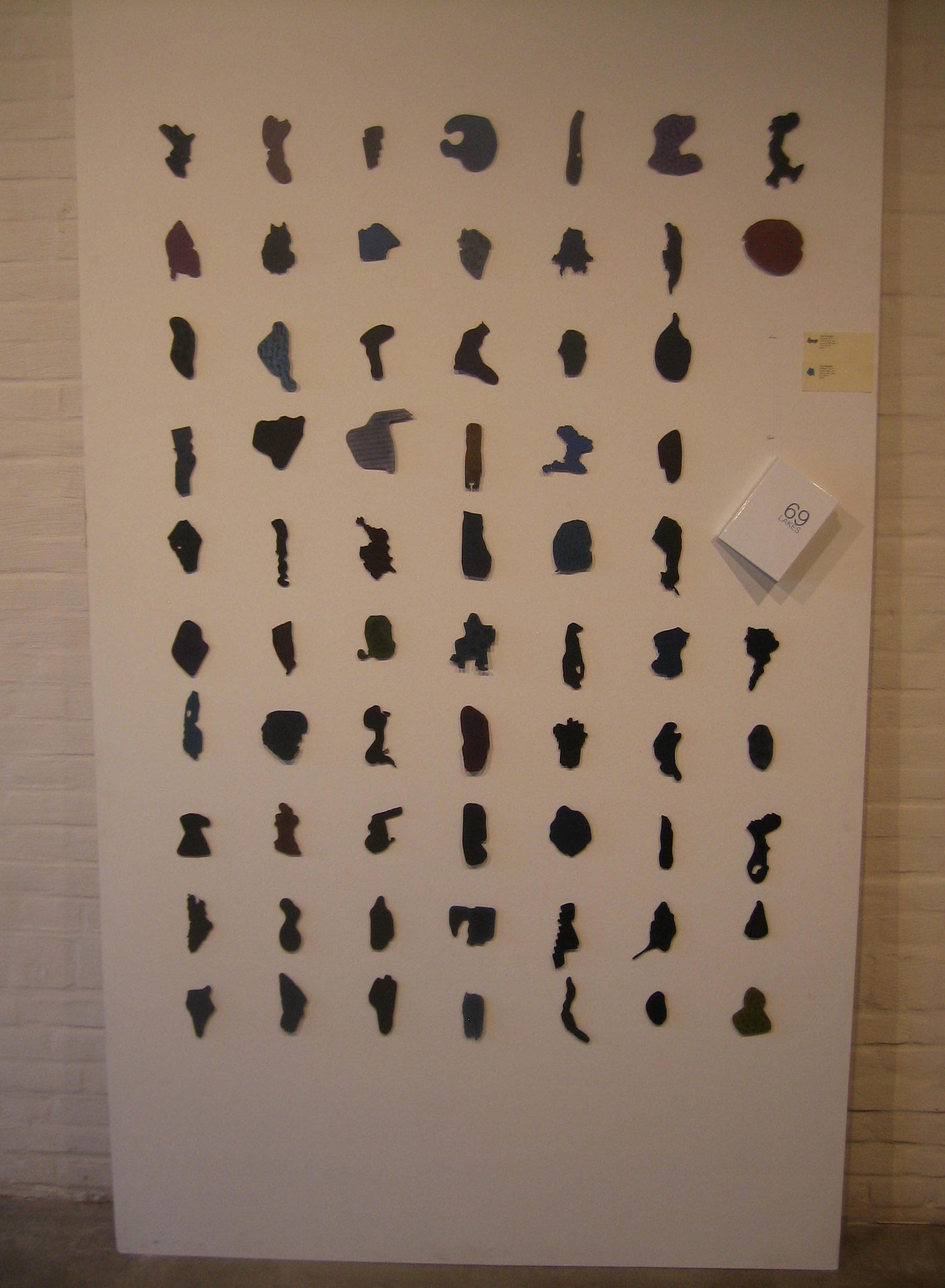 Tore Svensson, 69 Lakes, broches. Galerie Marzee, 2018. Foto Esther Doornbusch, juli 2018©