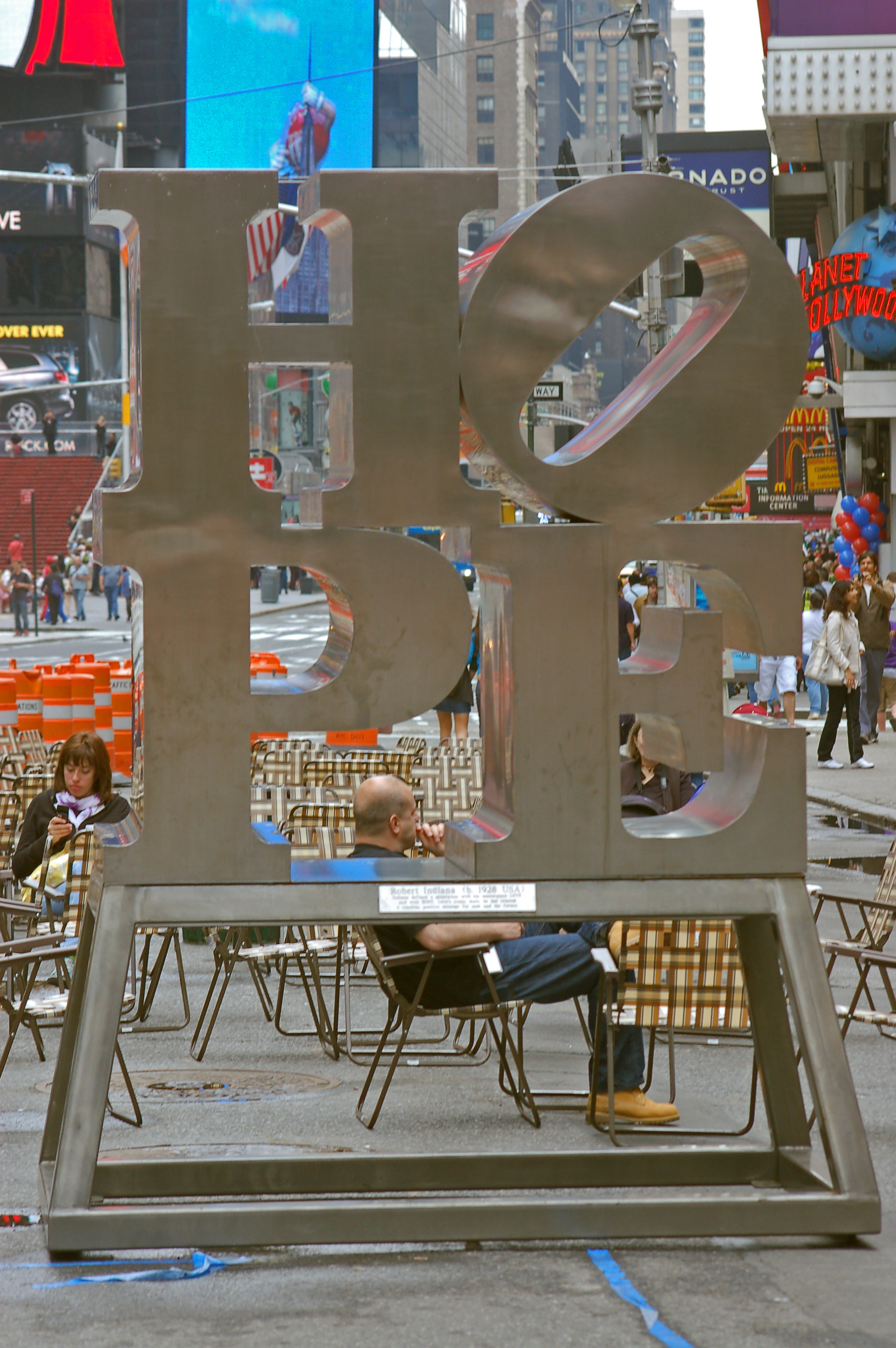 Robert Indiana, Hope, Times Square, New York. Foto met dank aan Rob Young, 2009, CC BY 2.0