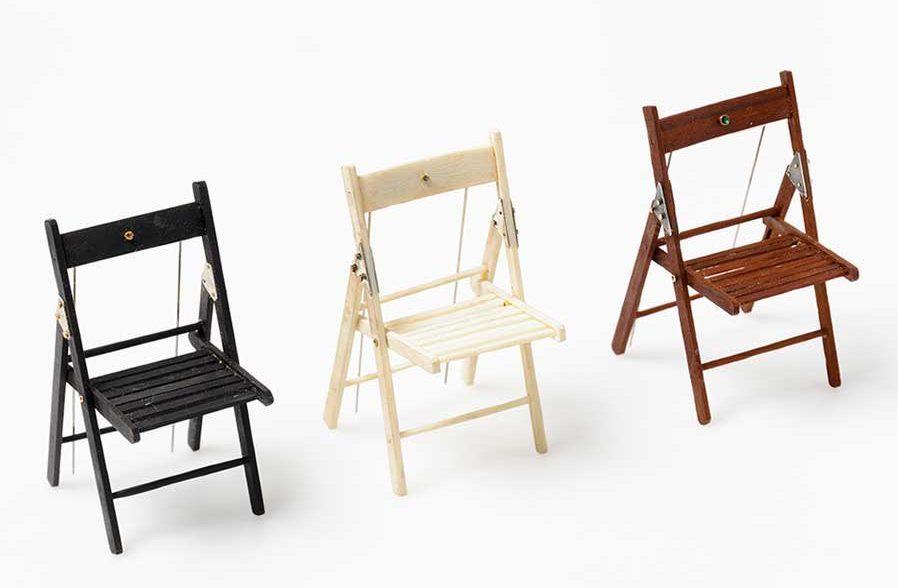 Ulrich Reithofer, The Chair, broches, 2009. Foto met dank aan Galerie Marzee©