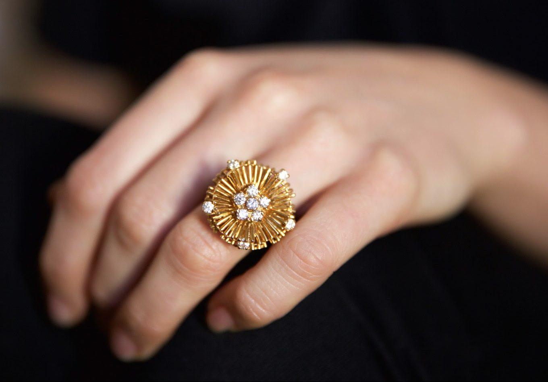 Kutchinsky, ring, 1960. Courtesy of Louisa Guinness Gallery©