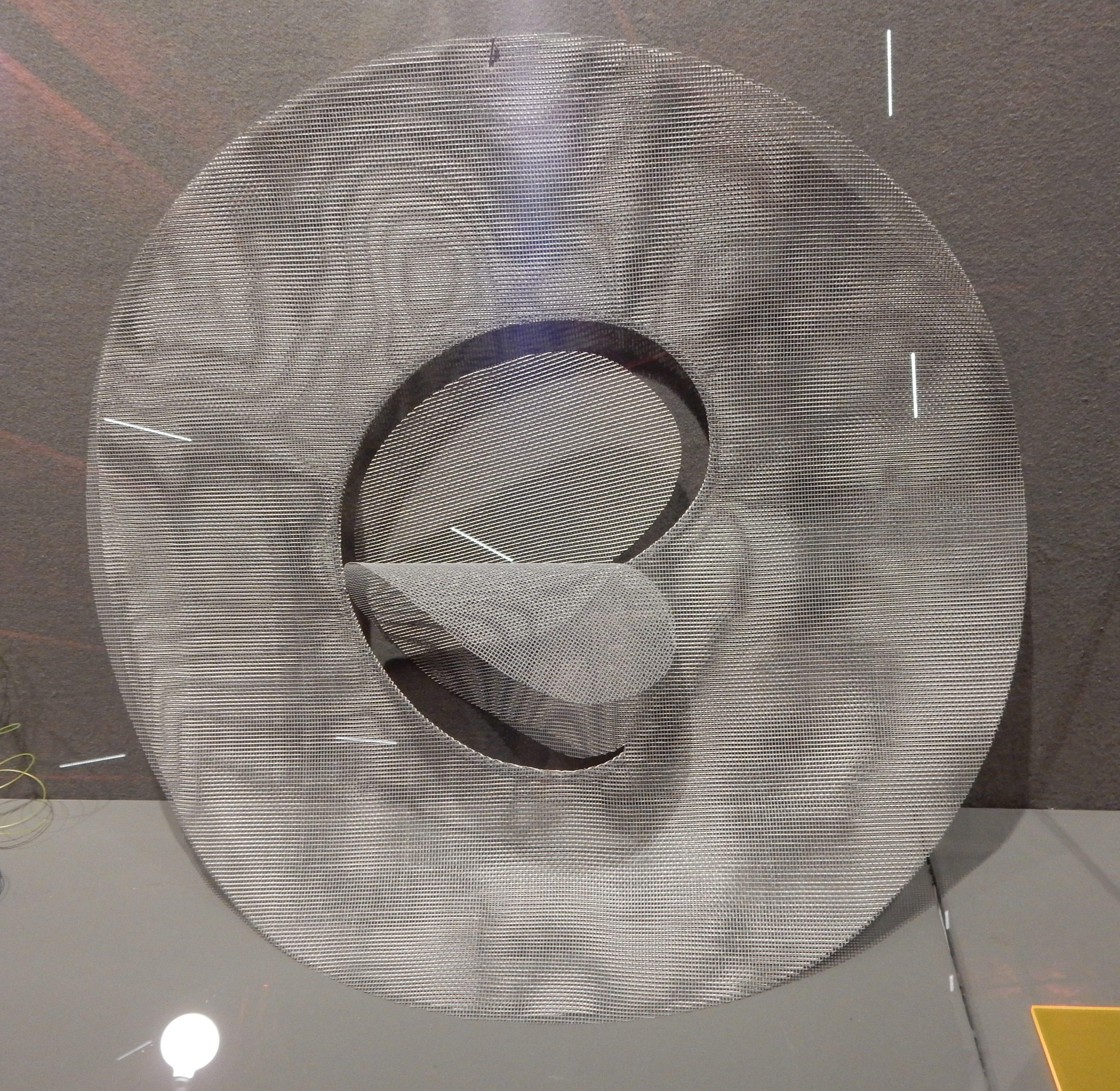 Susanna Heron, Floppy disc mesh, halssieraad, 1981. Collectie Jerven Ober, SAF 2018. Foto Esther Doornbusch, november 2018, CC BY 4.0