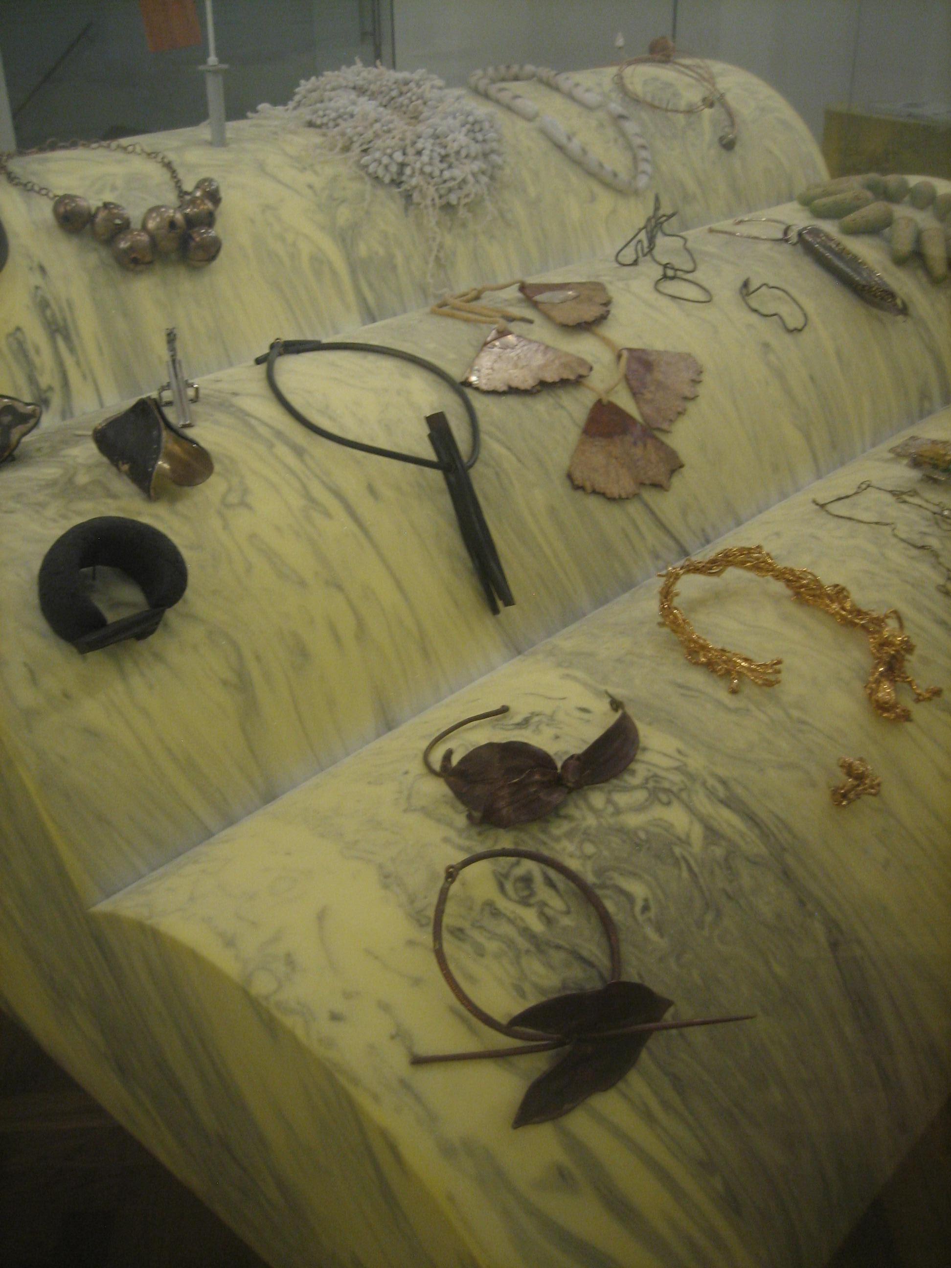 Objets Ambigus, BOZAR. Collectie S. Thierry-de Saint Rapt. Foto Esther Doornbusch, 23 november 2018, CC BY 4.0