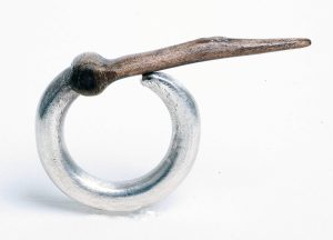Marilyne Fontenelle, ring, 2016. Foto met dank aan Marilyne Fontenelle, Michel Gasarian©