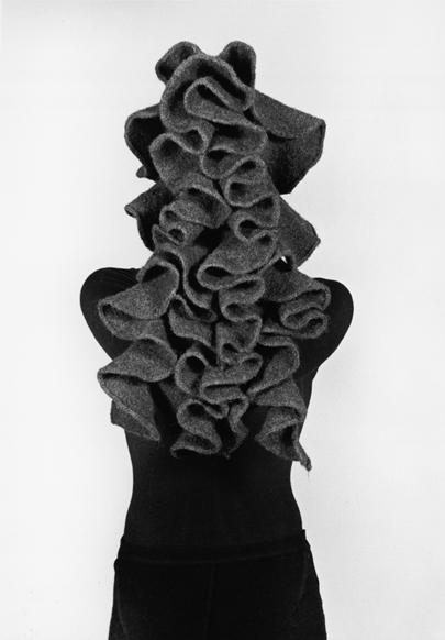Maria Blaisse en Karin Marseille, Onda, 2000, textiel