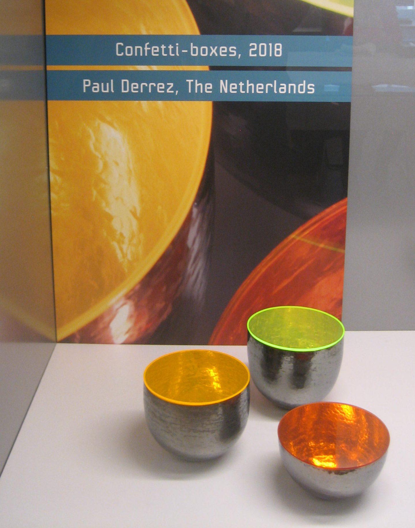 Paul Derrez, Confetti-boxes, 2018, zilver, kunststof