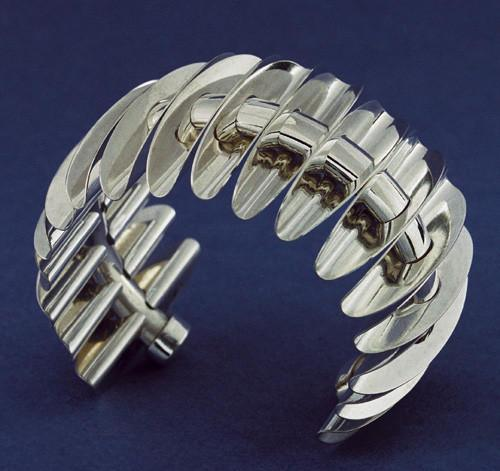 Bernard Laméris, Balance, armband, 2005. Foto Rinus van Schie, zilver