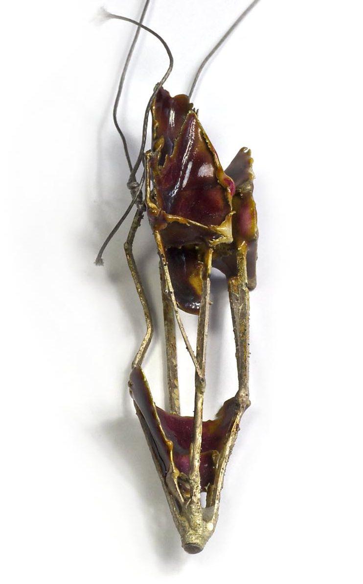 Andrea Wippermann, hanger, 2001. Foto met dank aan Galerie Marzee©