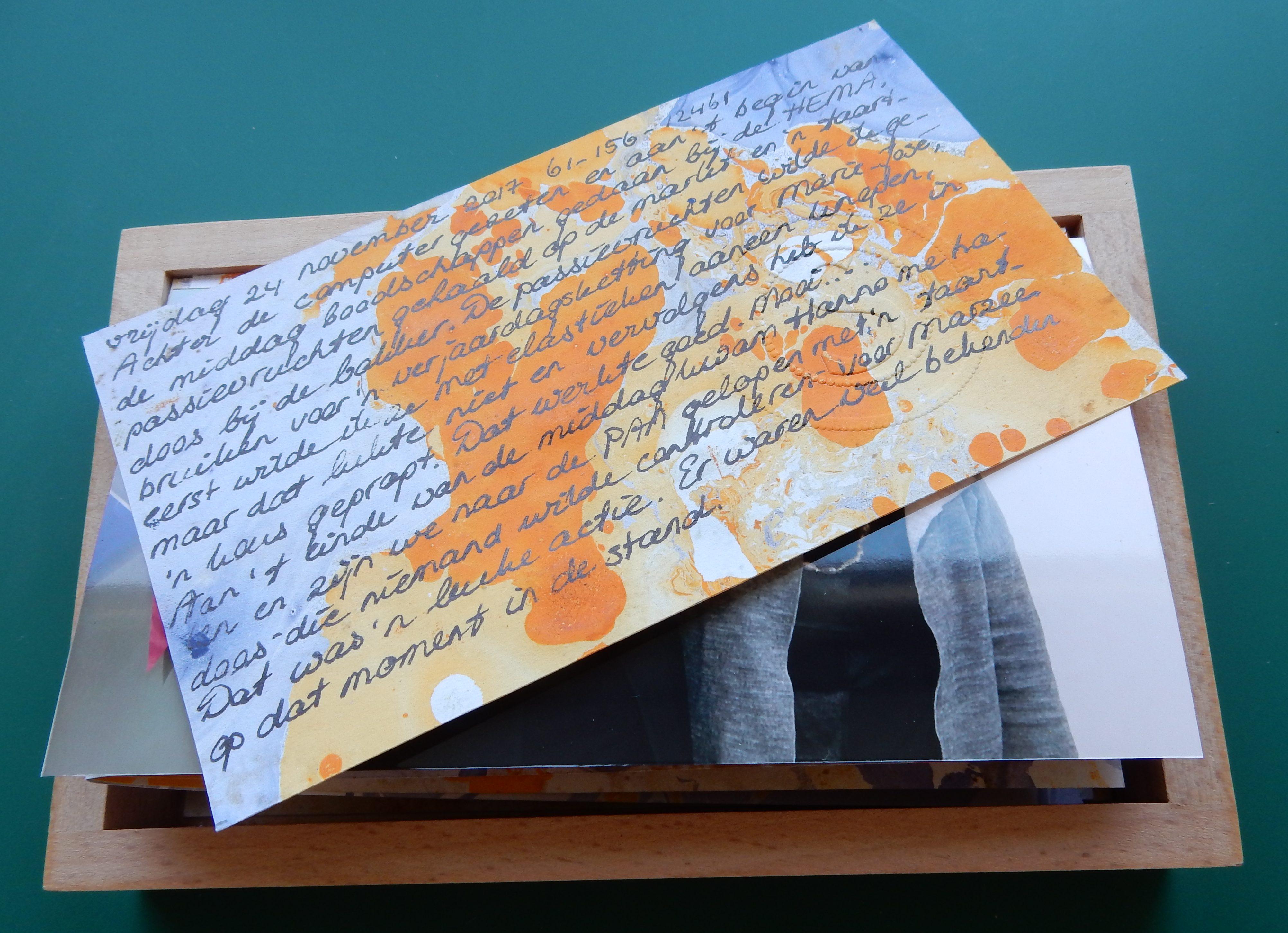 Esther Doornbusch, Dagboekfragment op gemarmerd papier, 2019. Cadeausje voor Marzee, mei 2019. Foto Esther Doornbusch, CC BY 4.0