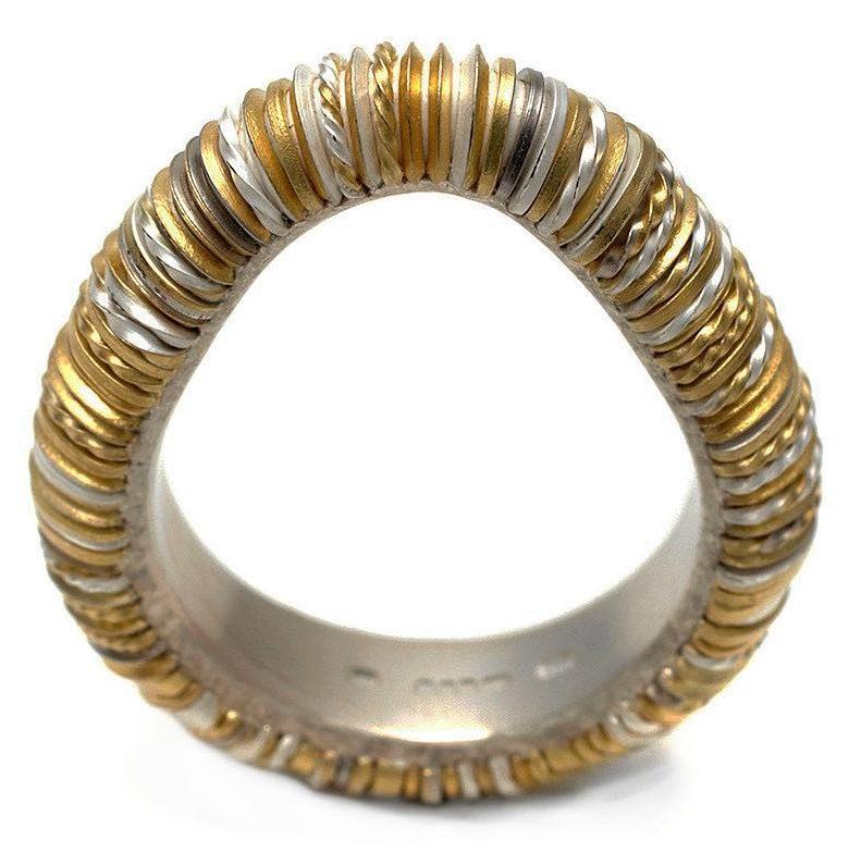 Andrew Lamb, Patchwork ring, ring, 2011. Foto met dank aan Galerie Marzee©
