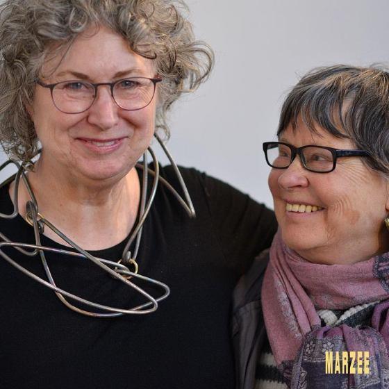 Susan Cummins en Dorothea Prühl, maart 2019. Foto Galerie Marzee, halssieraad