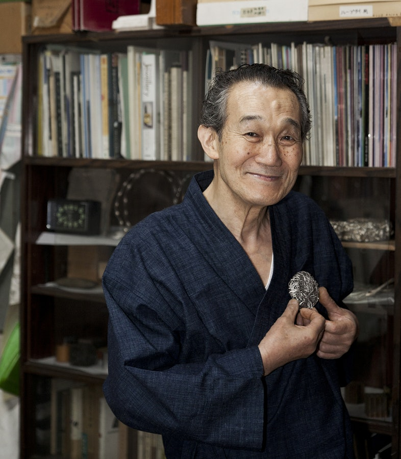 Yasuki Hiramatsu, 2007, portret, broche