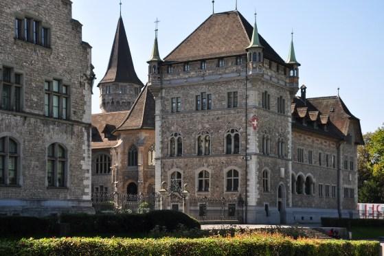 Schweizerisches Nationalmuseum, 2009. Foto met dank aan Wikimedia Commons, Roland zh, gebouw, exterieur