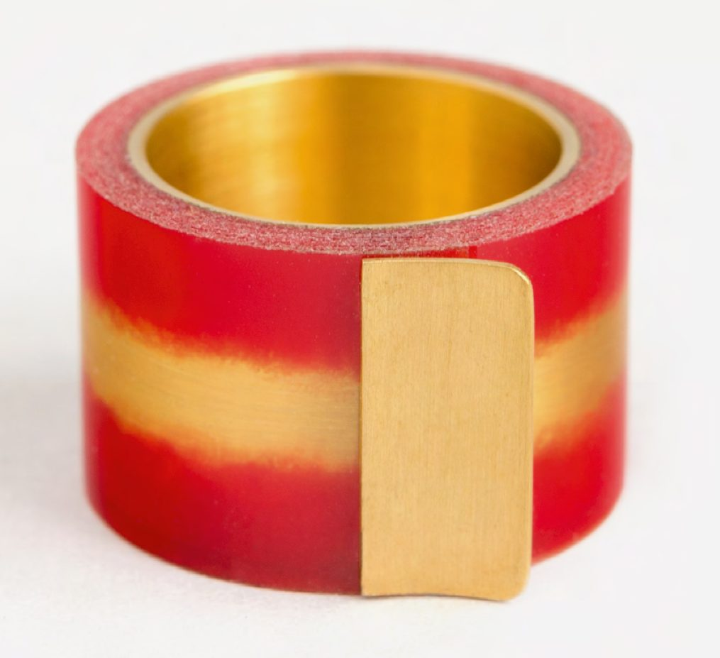 Jiro Kamata, Tesa Kiss Ring, ring, 2000, tape, metaal