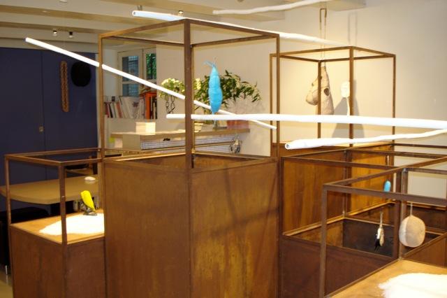 Estela Saez Vilanova, Good by(e) nest, Galerie Louise Smit, 2008. Foto Louise Smit, tentoonstelling