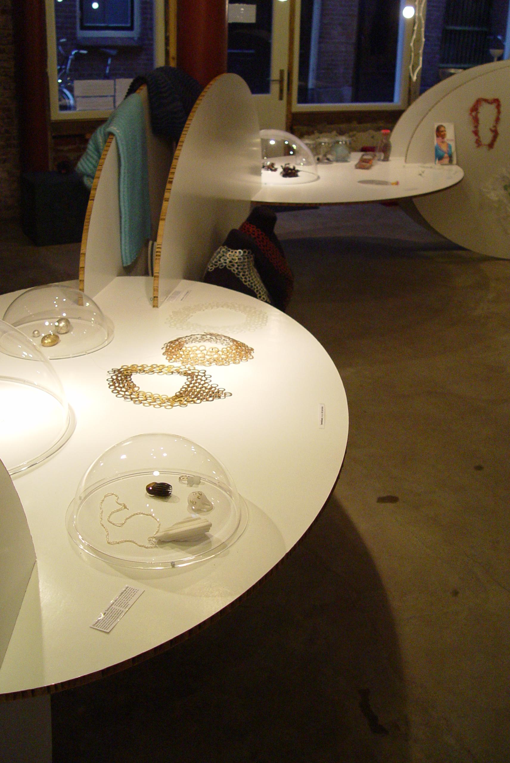 Beyond Material, tentoonstelling, foto Birgit Laken