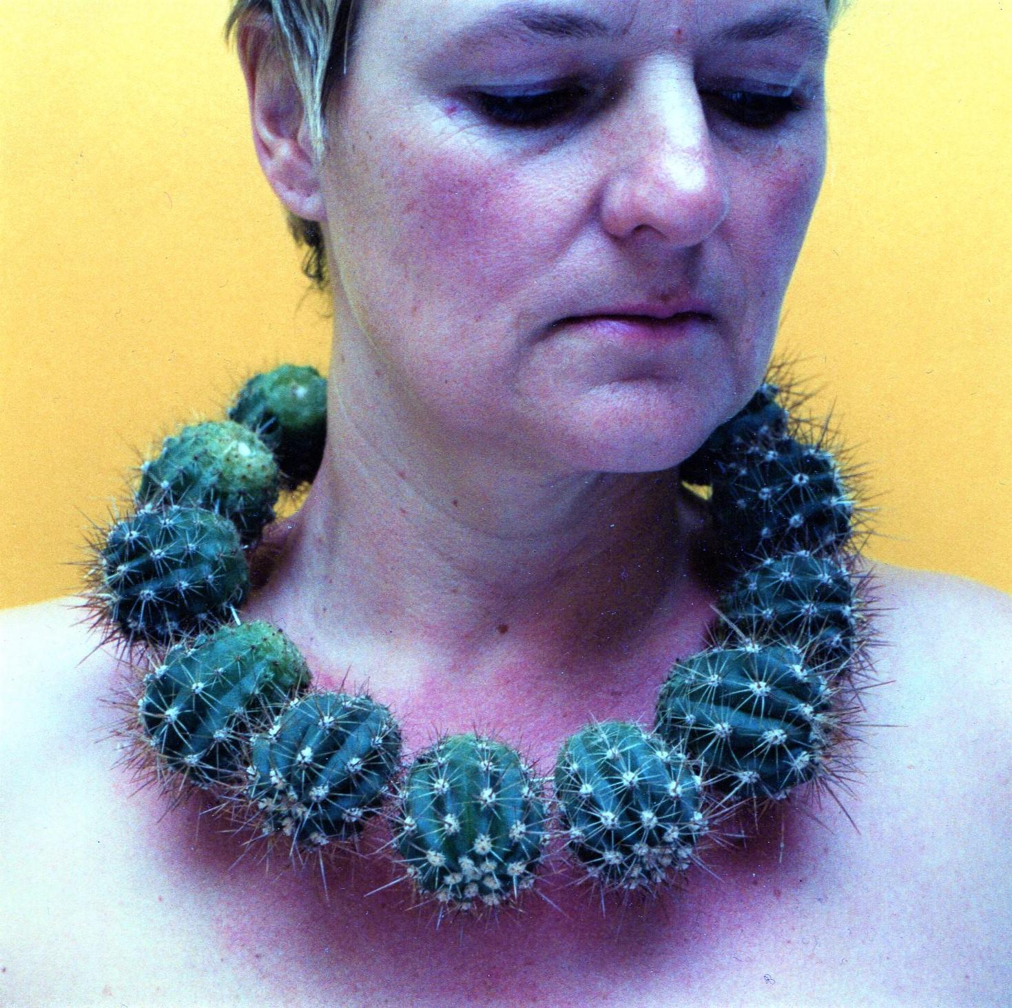 Marijke Schurink, Cactuscollier, 2003