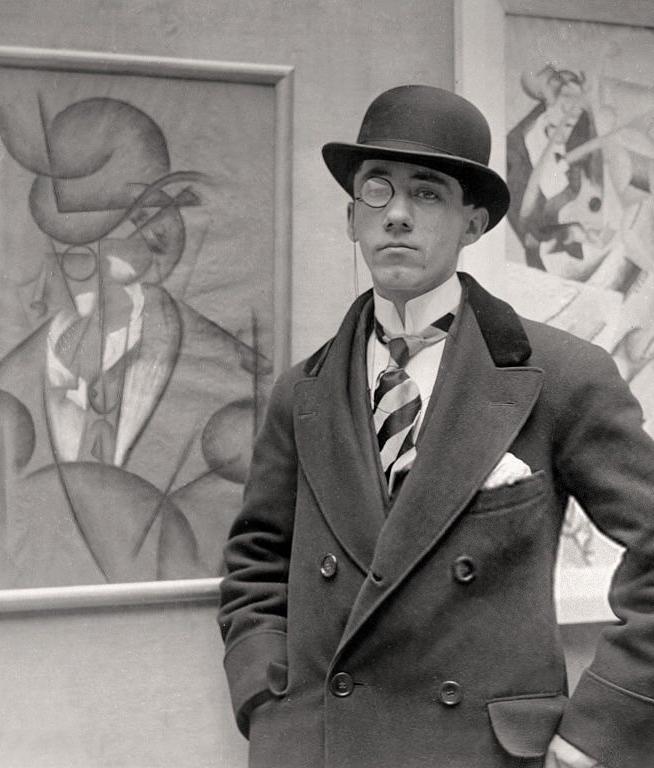 Gino Severini tijdens de opening van zijn tentoonstelling in Londen, 1913, portret, schilderij, foto