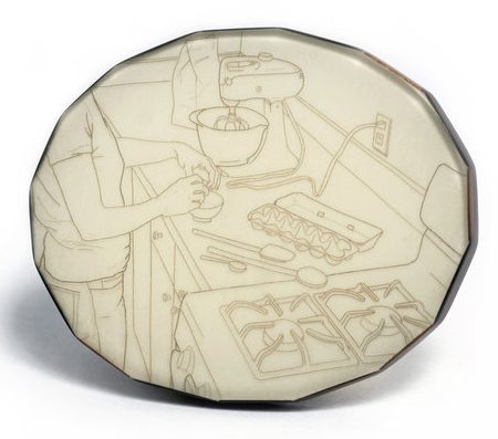 Melanie Bilenker, Cookies, broche, 2009, menselijk haar, kunsthars, ebbenhout, goud, pigment
