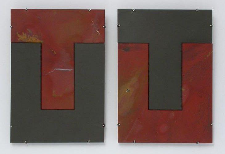 Warwick Freeman, Kiwi Footprint, broches, 2006, jaspis, argilliet