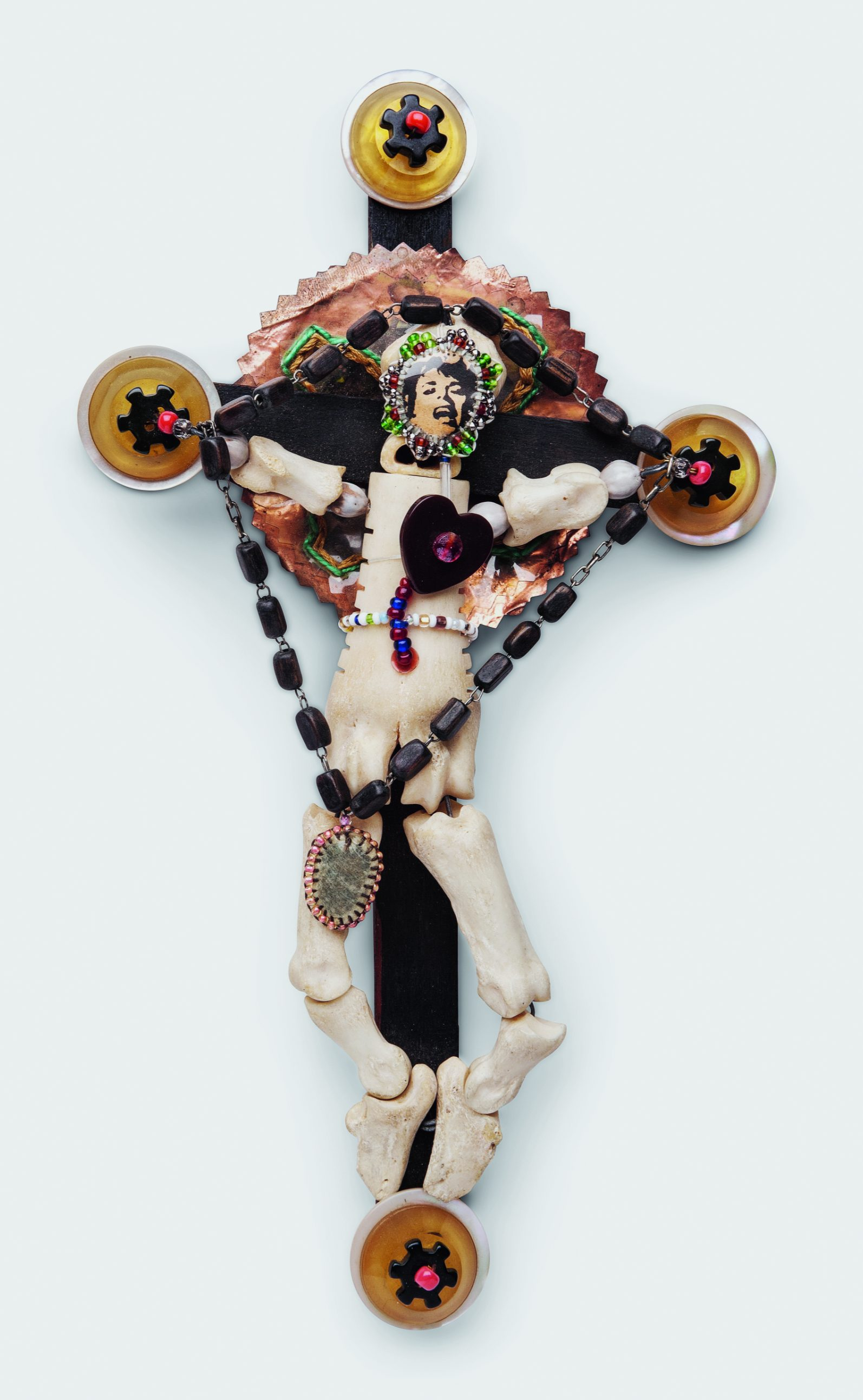 Joyce J. Scott, The Double Cross, from the Jonestown Massacre series, 1980. Collectie Philbrook Museum of Art, 1991.21.3