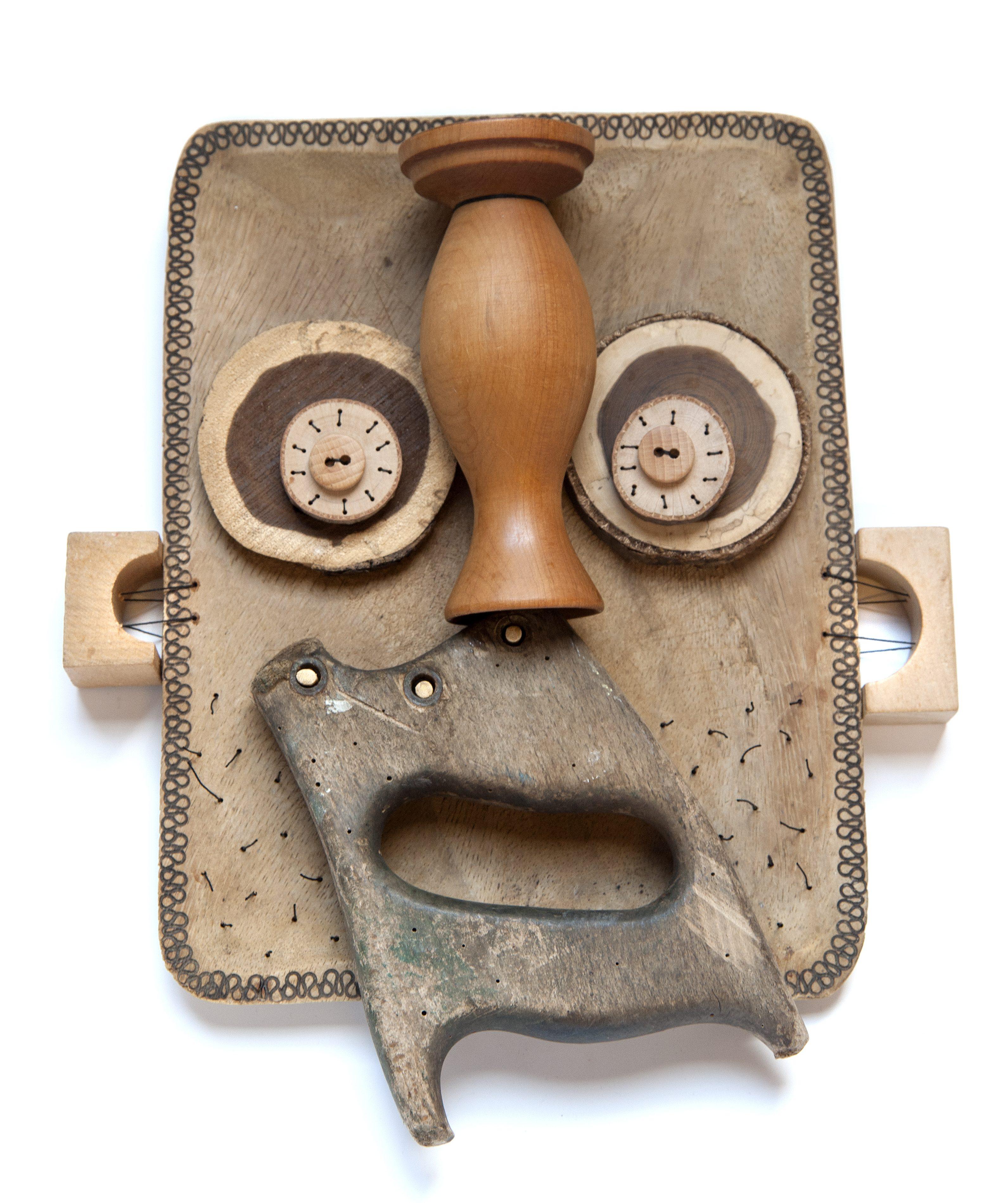 Annemiek Steenhuis, Mask SAW, 2020. Foto Fjodor Buis, hout, textiel
