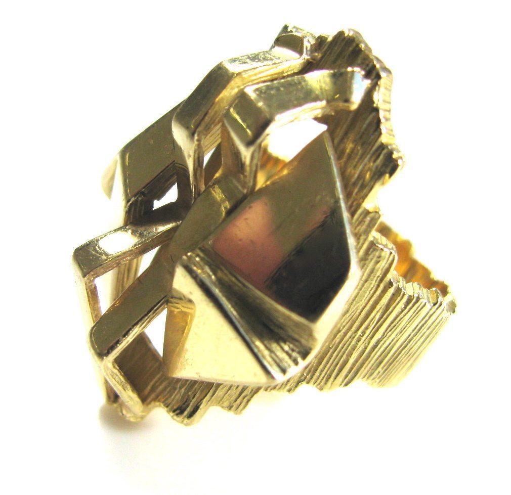Gubelin, ring, circa 1970. Foto Kimberly Klosterman, goud